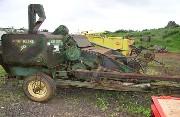 JD 30 John Deere Harvester