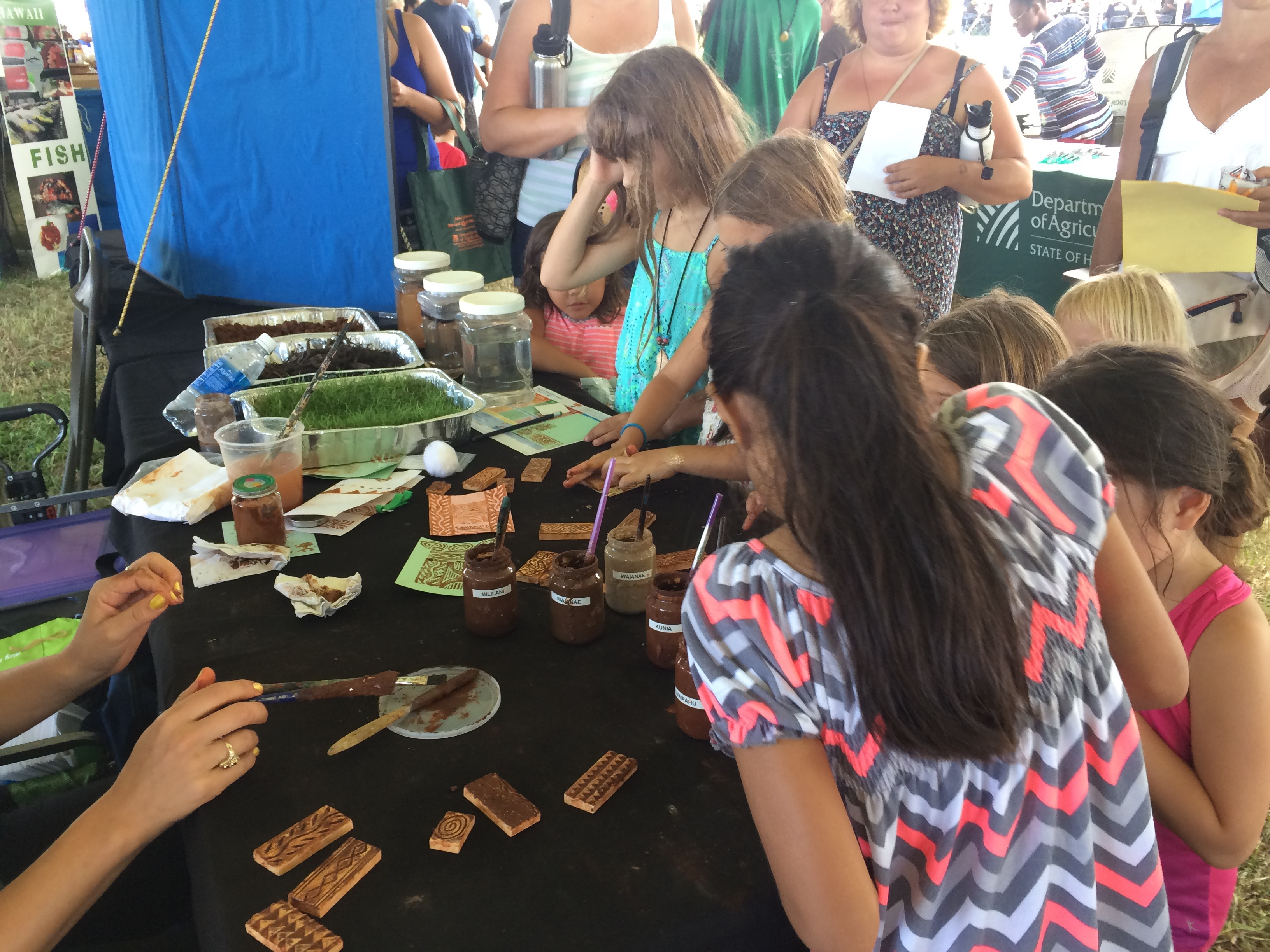 Painting with soils at the ORCD table at the 2016 Farm Fair!